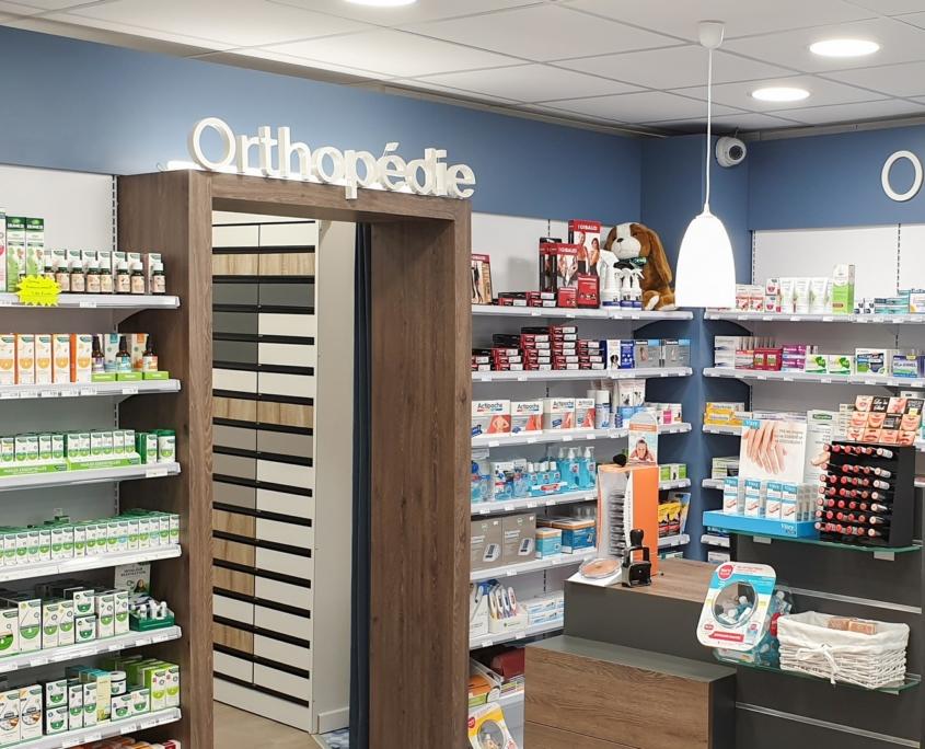 Pharmacie de Bayeux agencée par Adeco Breizh