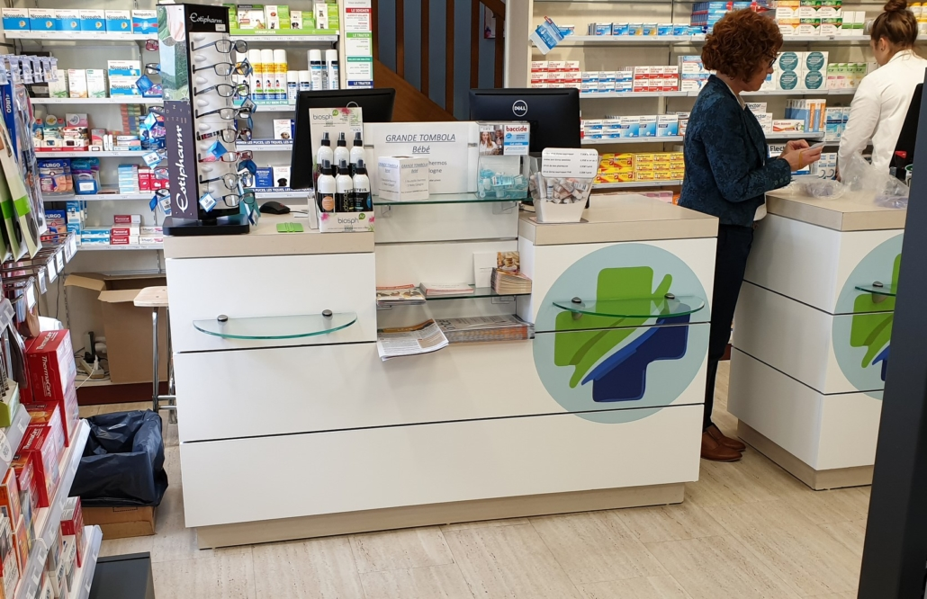 Agencement d'une pharmacie par Adeco Breizh à Guer