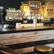 Comptoir-bar-Pluneret-une-creation-Adeco-Breizh-05-1.jpg