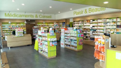 Carantec-pharmacie-un aménagement Adeco Breizh
