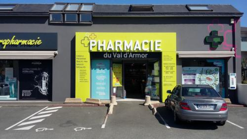 Lamballe-pharmacie-un aménagement Adeco Breizh 01