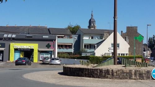 Lamballe-pharmacie-un aménagement Adeco Breizh 02