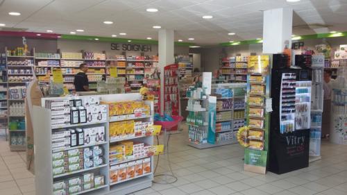 Lamballe-pharmacie-un aménagement Adeco Breizh 03