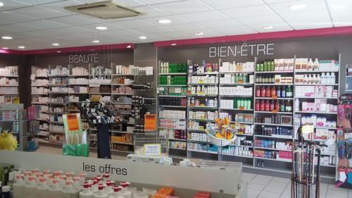 Lamballe-pharmacie-un aménagement Adeco Breizh 04