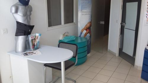 Lamballe-pharmacie-un aménagement Adeco Breizh 05
