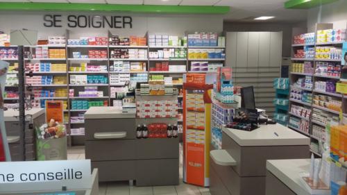 Lamballe-pharmacie-un aménagement Adeco Breizh 07