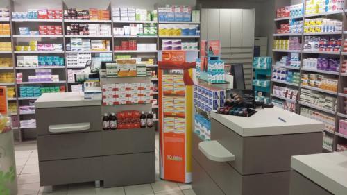 Lamballe-pharmacie-un aménagement Adeco Breizh 11