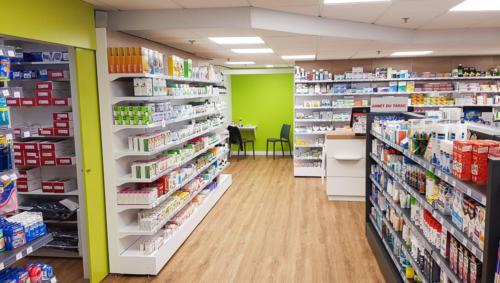Lannion-pharmacie-un aménagement Adeco Breizh